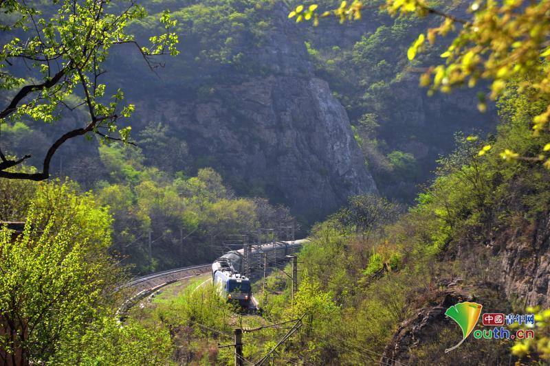 一輛通往希望的慢火車
